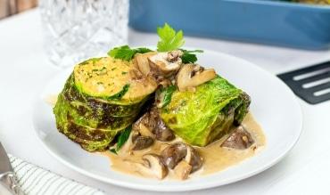 Vegetarische Wirsingroulade mit Couscous