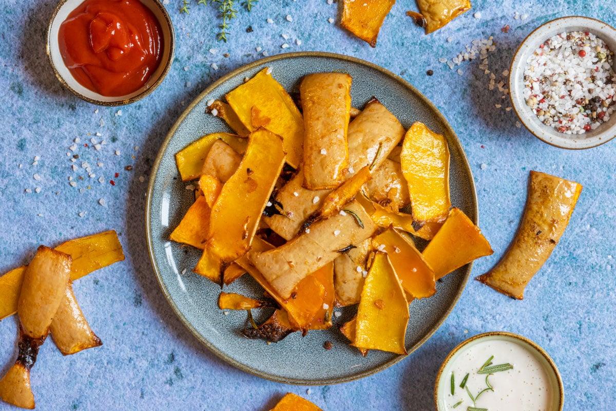 Chips aus Butternutkürbisschalen