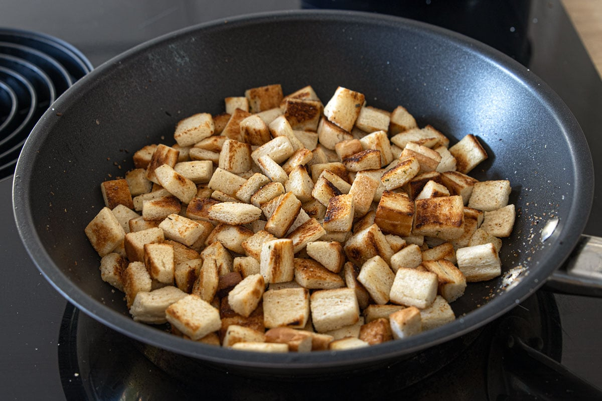 Croutons anbraten