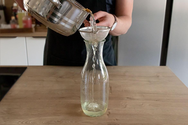 Ingwer Zitronen Sirup abfüllen