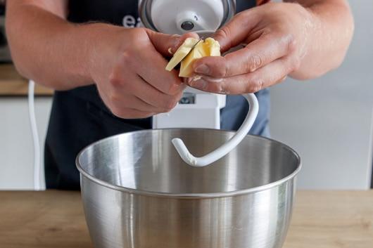 Teig für die Tarte zubereiten