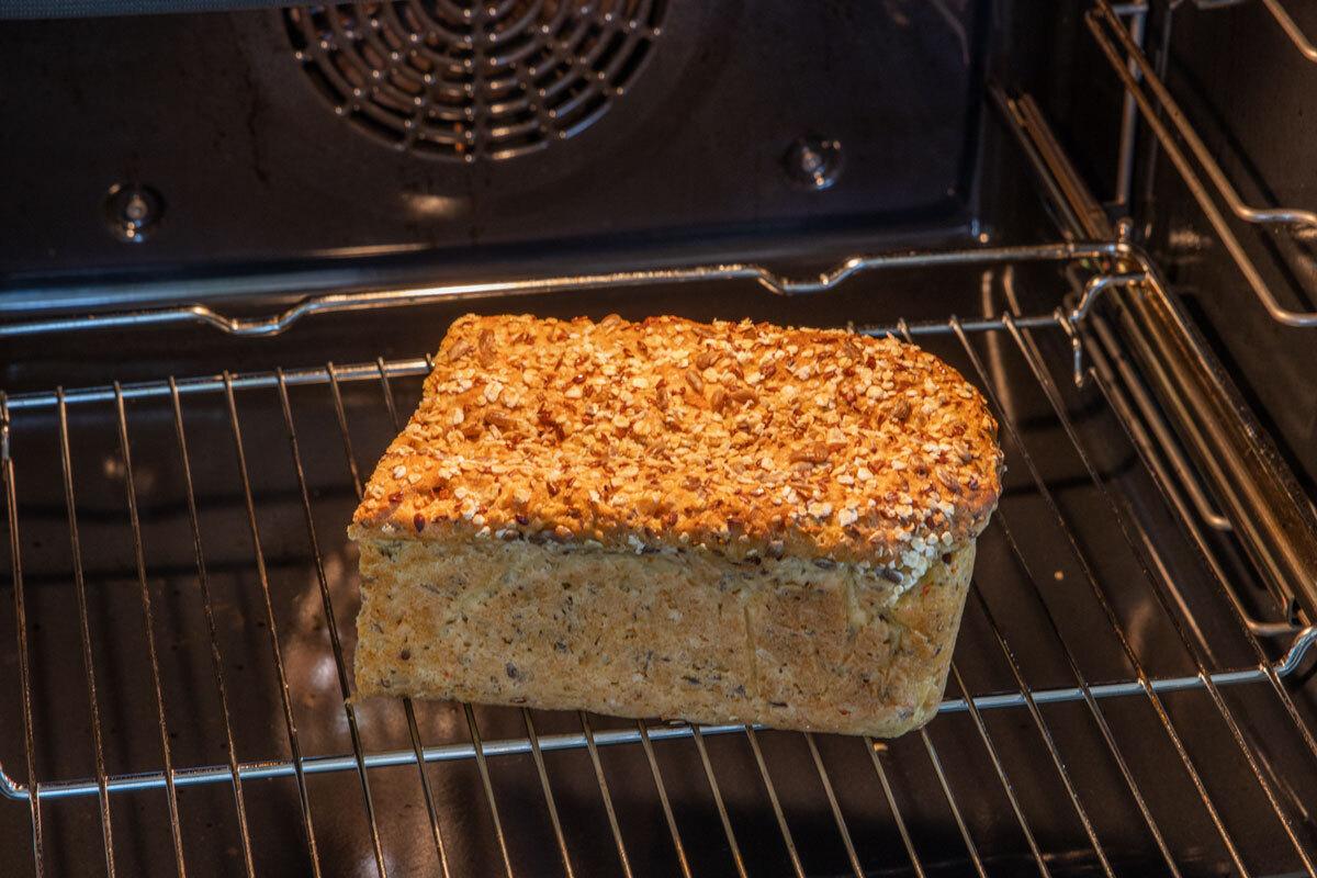 Brot im Ofen auftauen