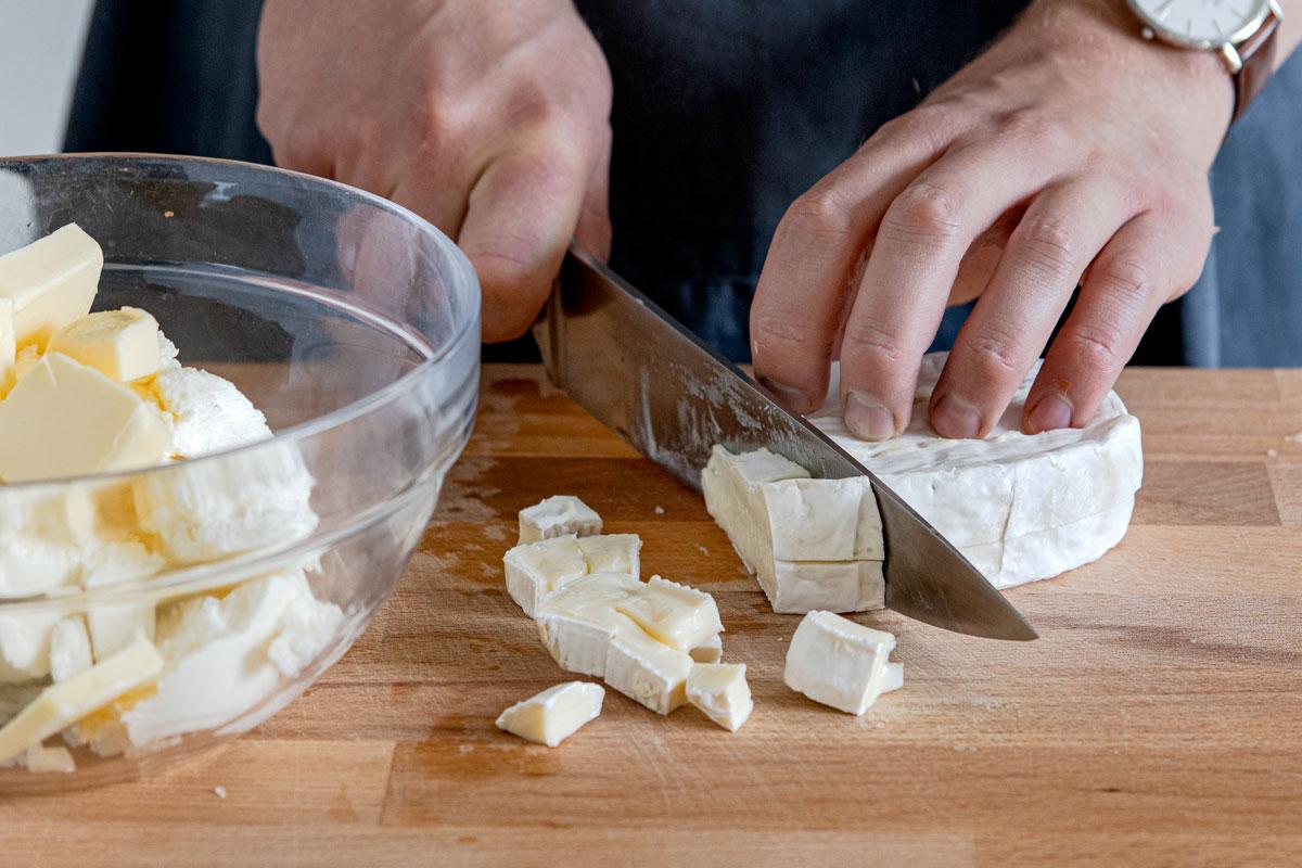 Camembert schneiden