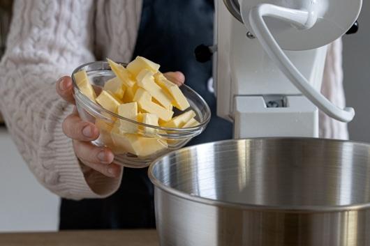 kalte Butter in Stücken