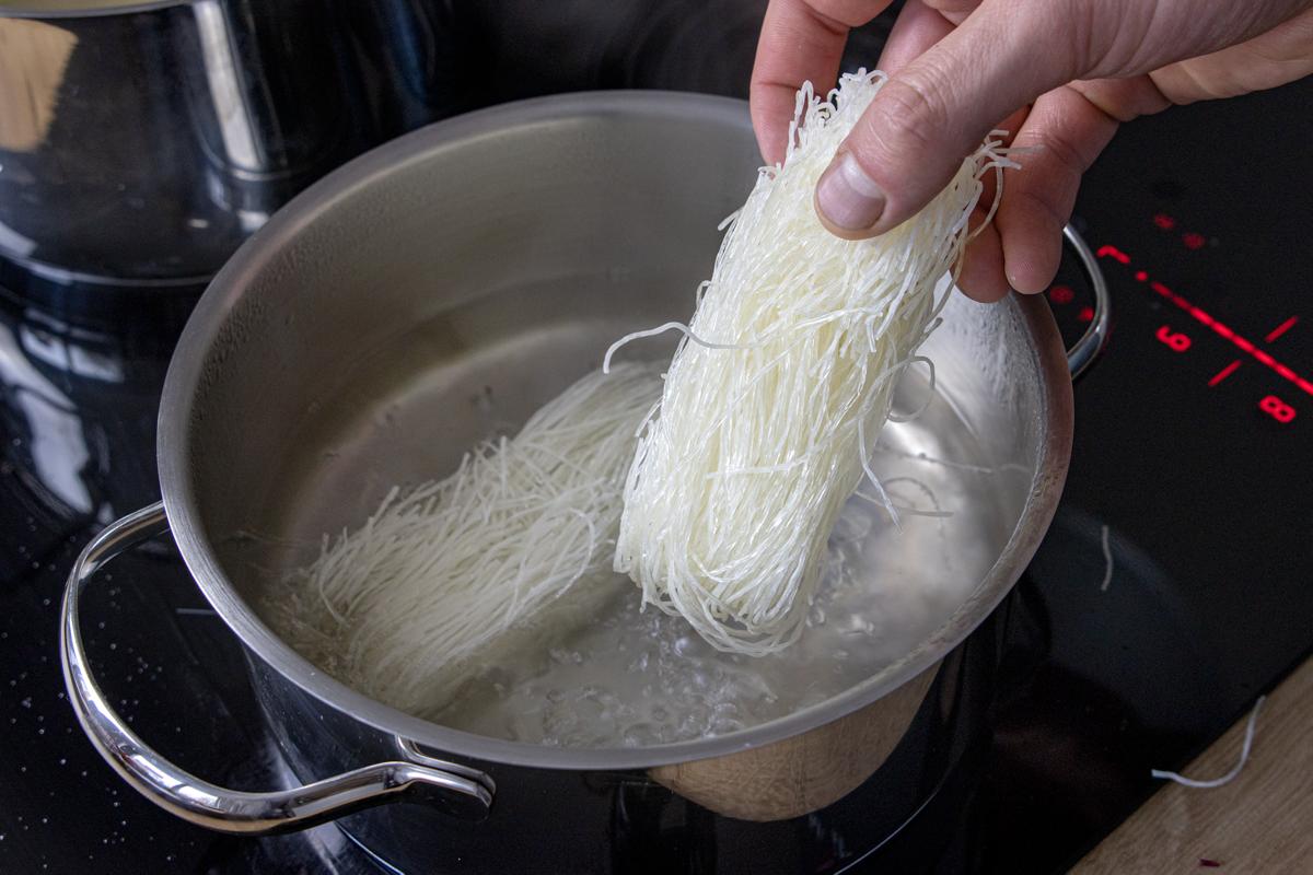 Glasnudeln kochen