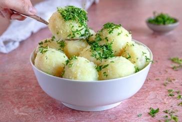 Erzgebirgische grüne Klöße kochen