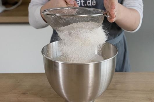Mehlmischung sieben