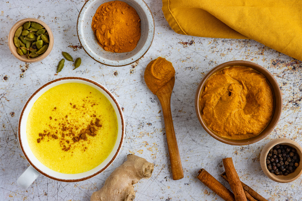 Goldene Milch Paste