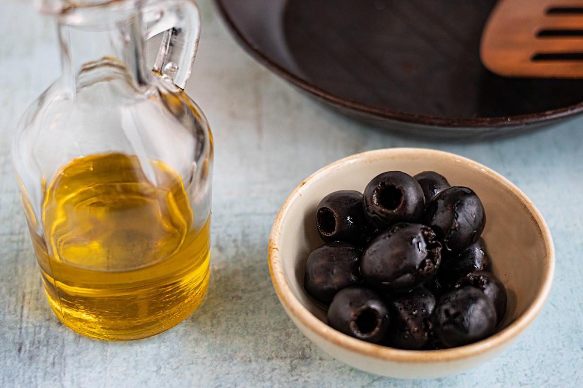 Olivenöl ist nur zum Braten mit mittleren Temperaturen geeignet