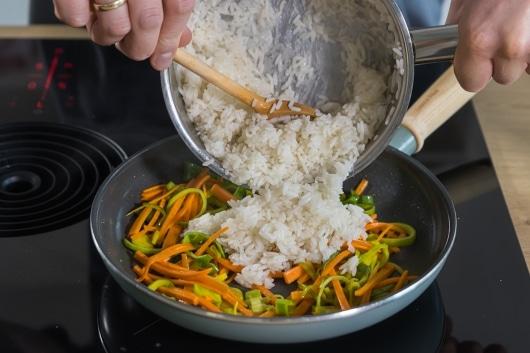 Reis hinzugeben