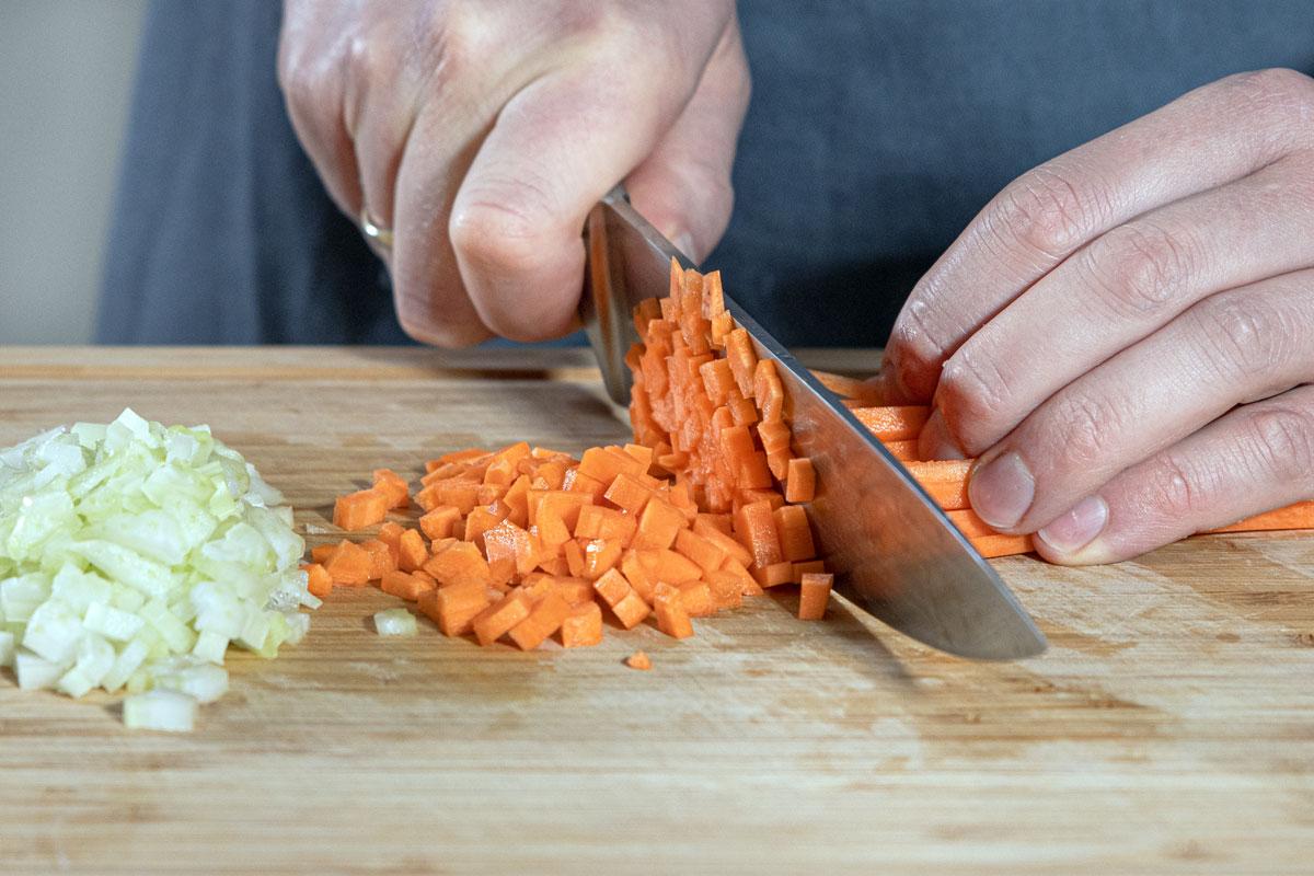 Karotten schneiden