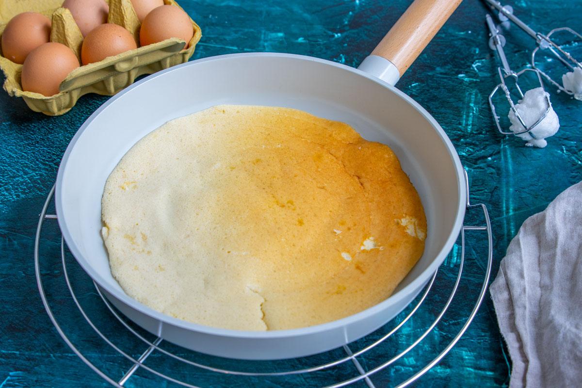 Eierpfannkuchen mit Eischnee
