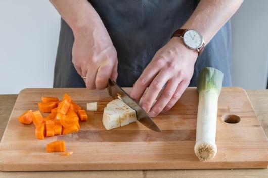 Gemüse waschen und schneiden
