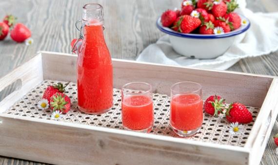 Erdbeerlimes mit Wodka