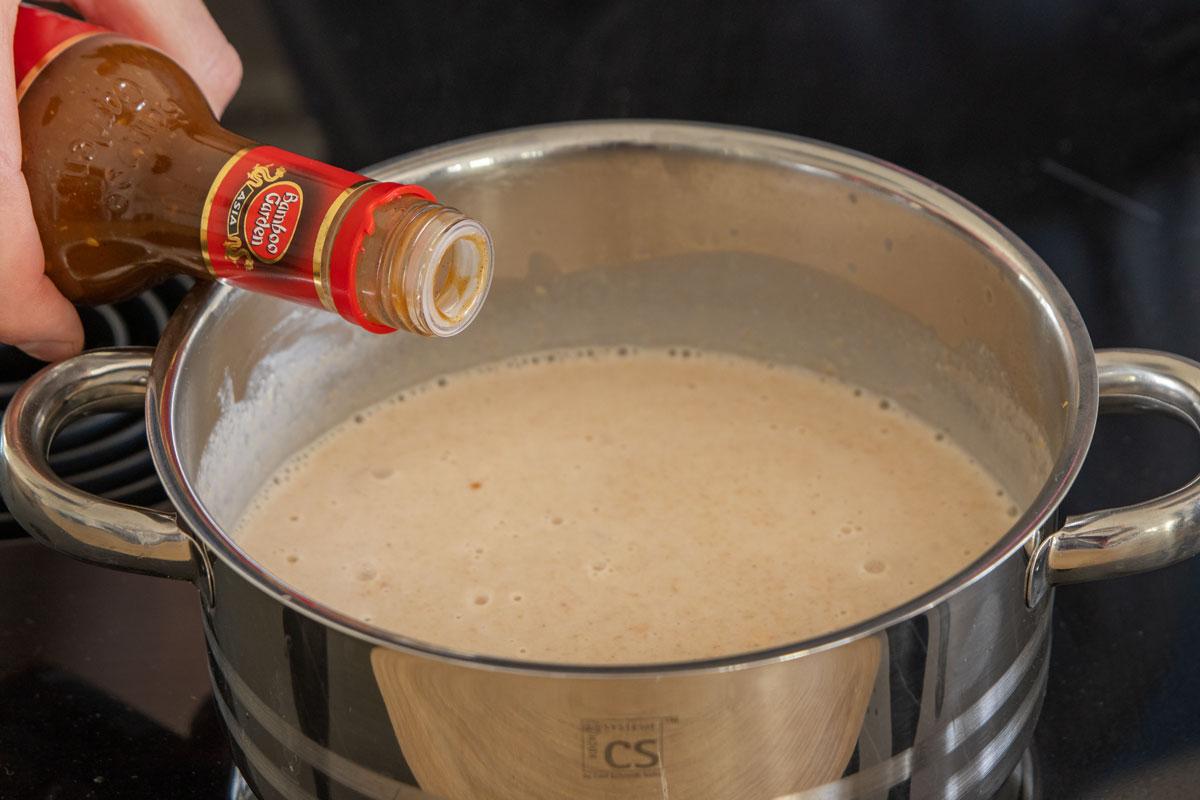 Hoisin-Sauce dazugeben