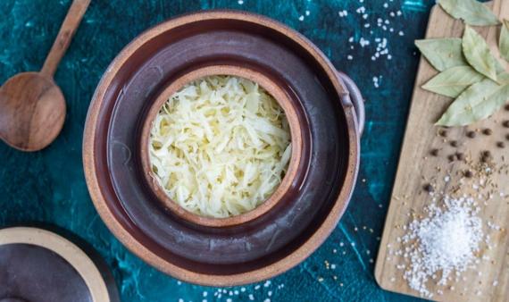 Sauerkraut im Steintopf selber machen