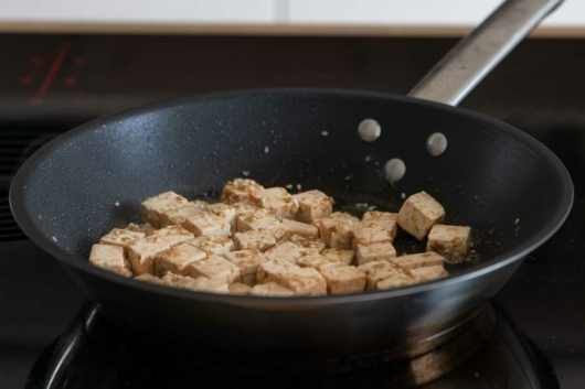 Marinierten Tofu anbraten