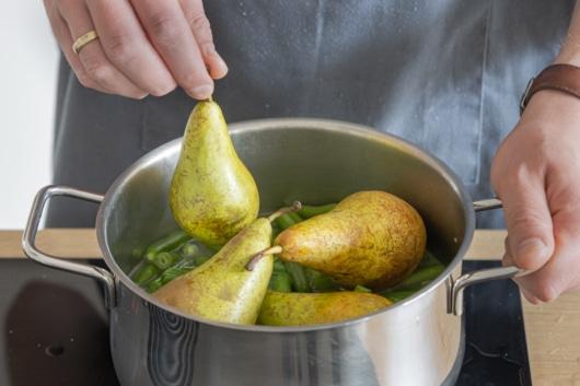 Birnen kochen
