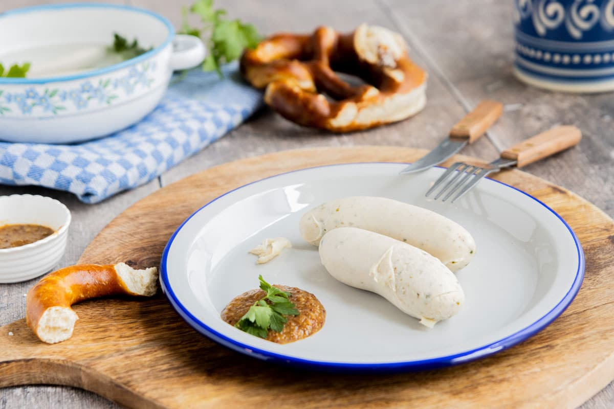 How To Eat: Weißwurst