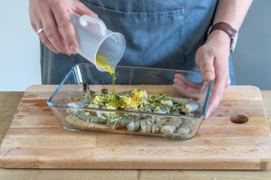 Olivenöl dazugeben