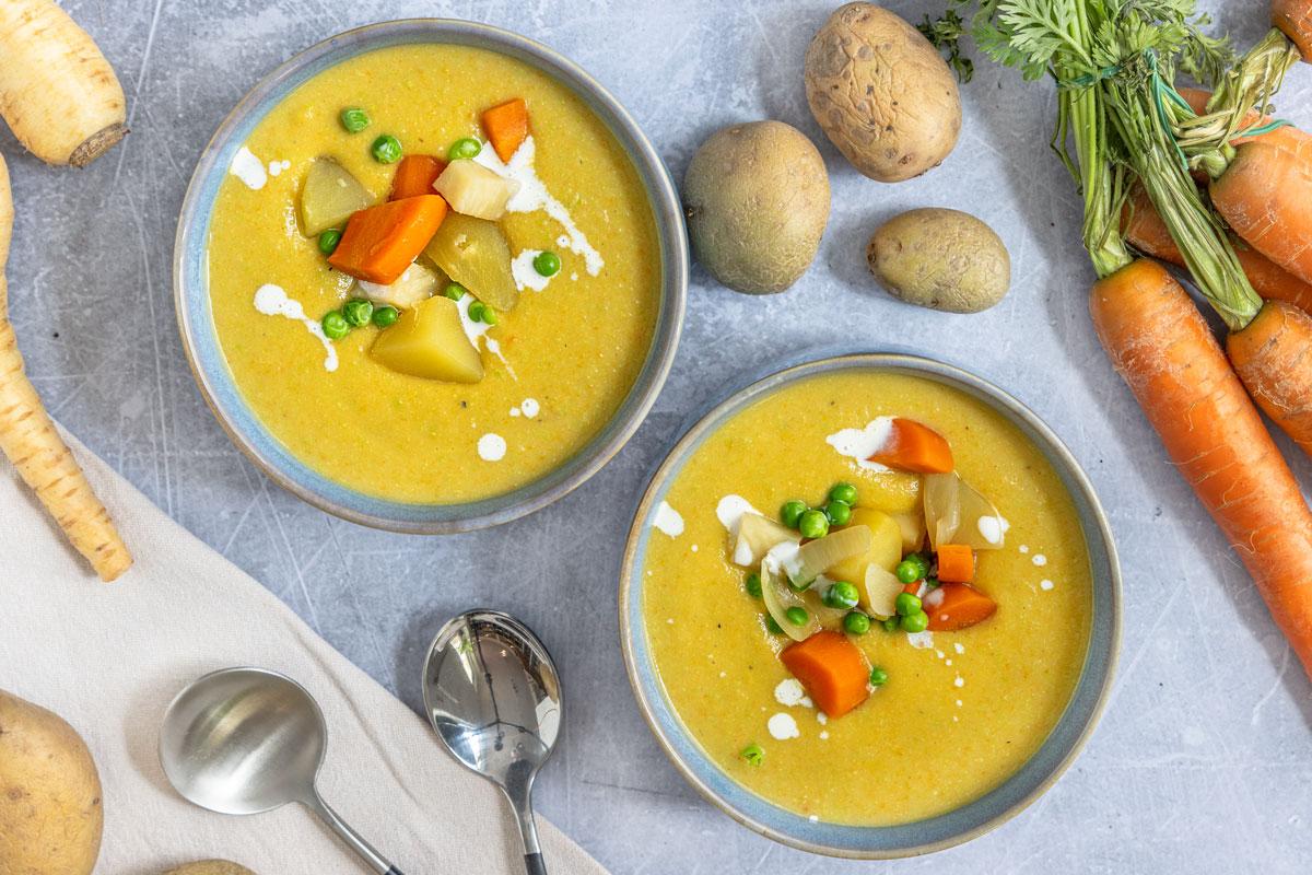 Cremig pürierte Gemüsesuppe