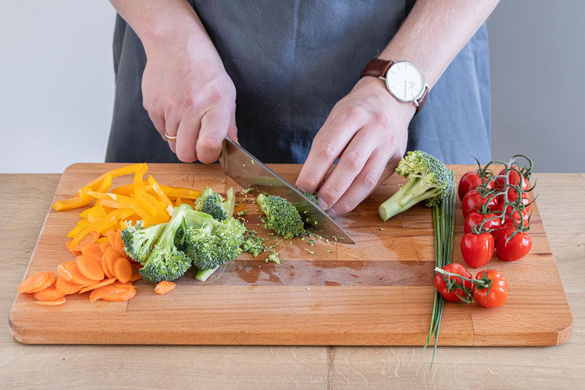 Gemüse klein schneiden