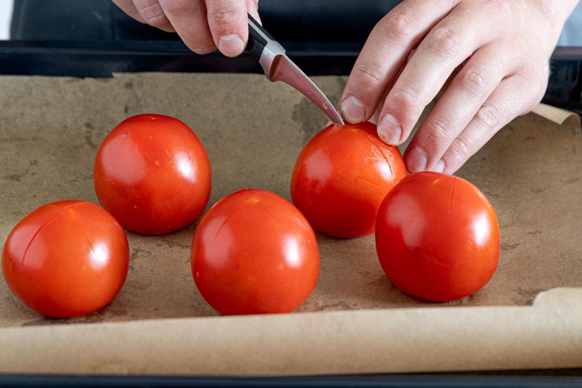 Tomaten einritzen