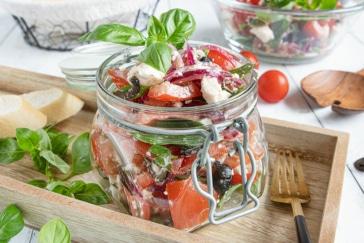 Tomatensalat mit Feta und Oliven