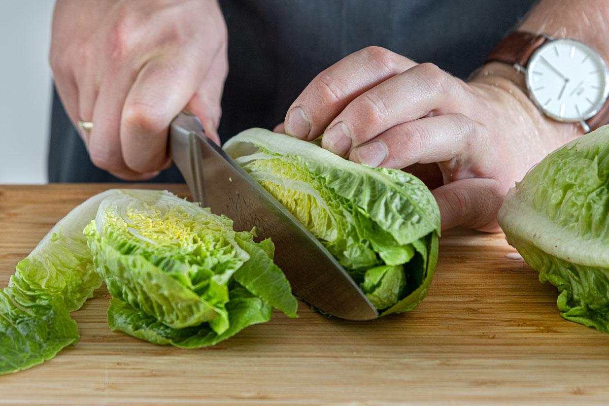 Salat halbieren