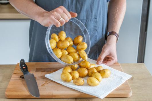 Kartoffeln waschen