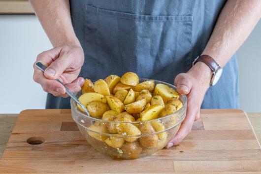 Kartoffeln gut durchmischen
