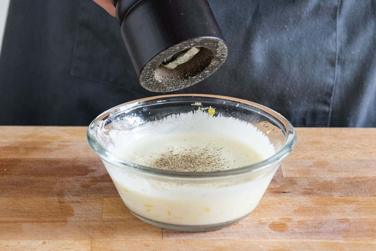 Joghurtdressing kräftig würzen