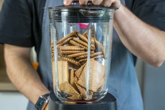 Kekse im Mixer pürieren
