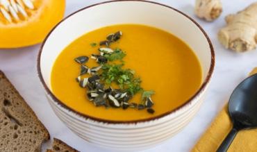 vegane Kürbis-Mango Suppe