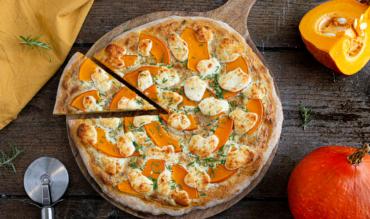 Kürbis Pizza mit Ziegenkäse