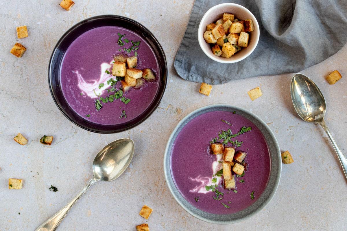 Rotkohlsuppe mit Balsamico
