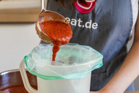 Tomatensauce in Gefrierbeutel einfrieren