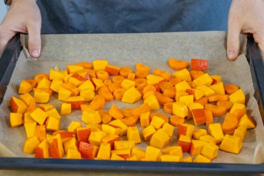 Kürbis und Karotte im Ofen backen
